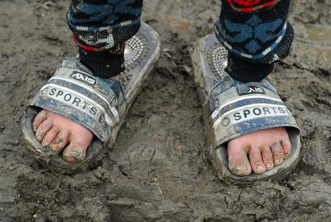 feet-in-mud