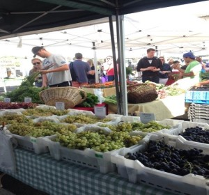 Support local growers by shopping at farmer's markets. Credit: Morguefile