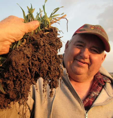Ohio farmer Dave Brandt proudly displays his living Cardington soil